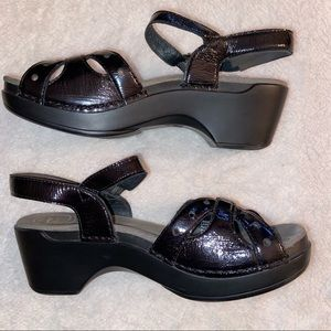 Dansko Black Patent Leather Sandals